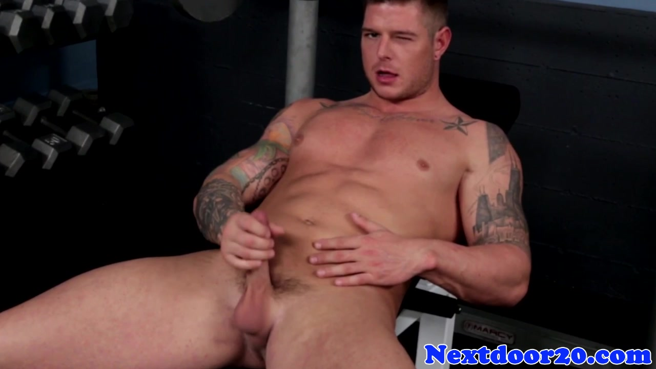 Athletic inked stud stroking his shaft Emma butt solo