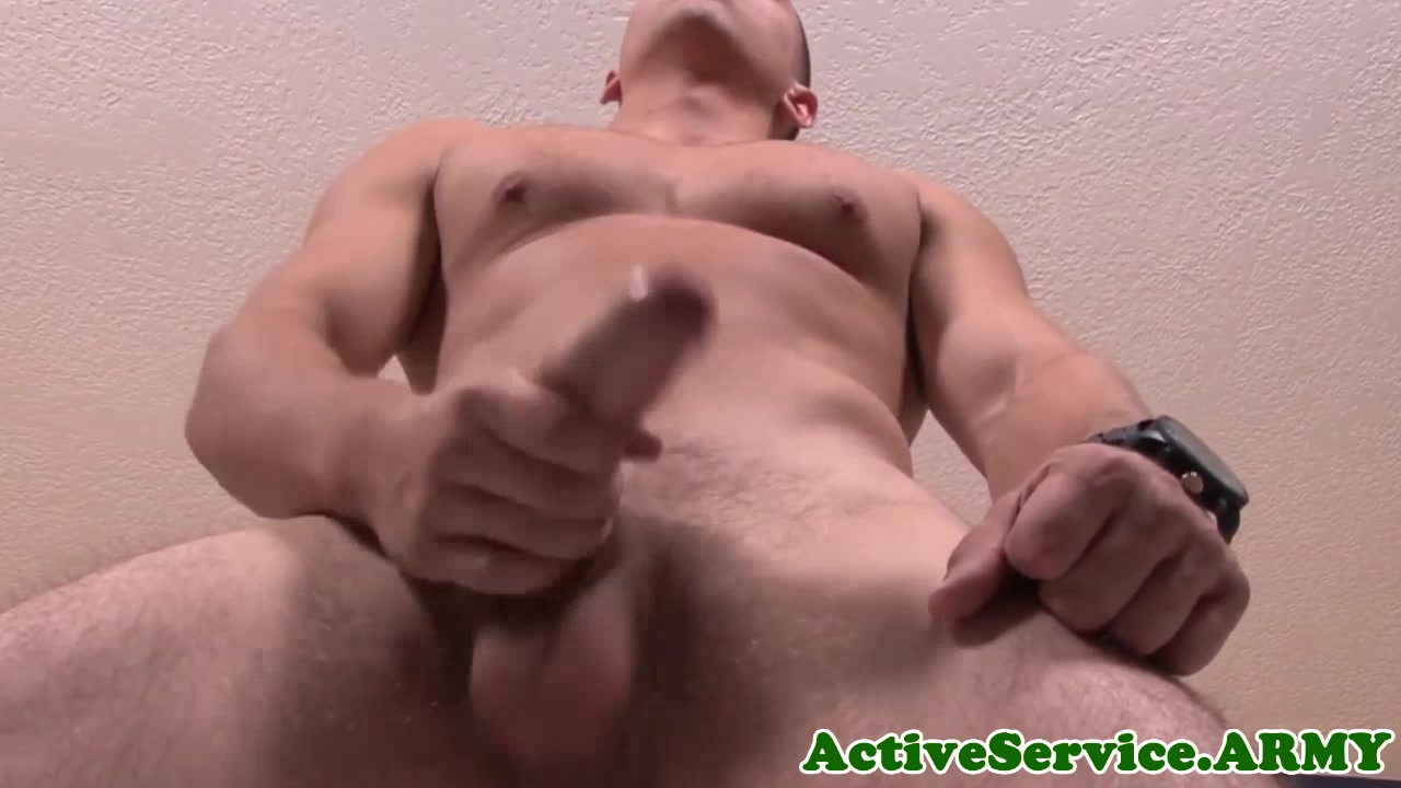 Buff military man jerking thick cock nude girl on exersize bike video