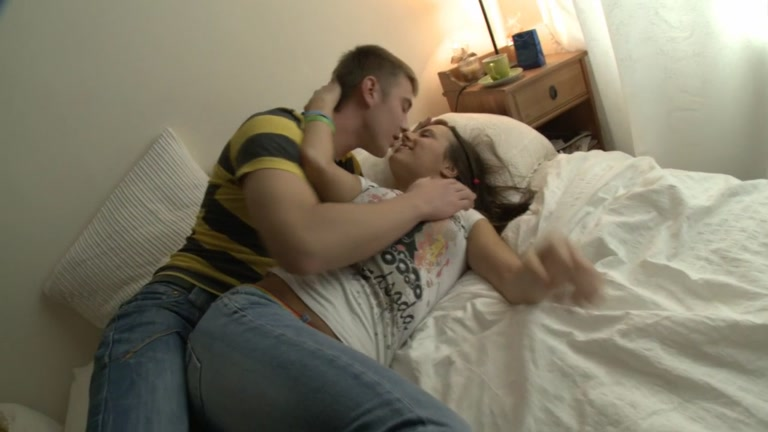 eighteen year old beauty drilled 1st time phoenix marie porn vk
