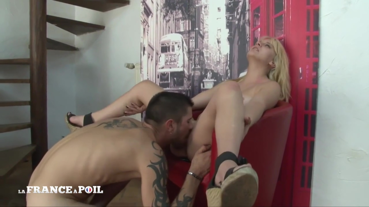 La France A Poil – Pretty Blonde Teen Gets Licked And A