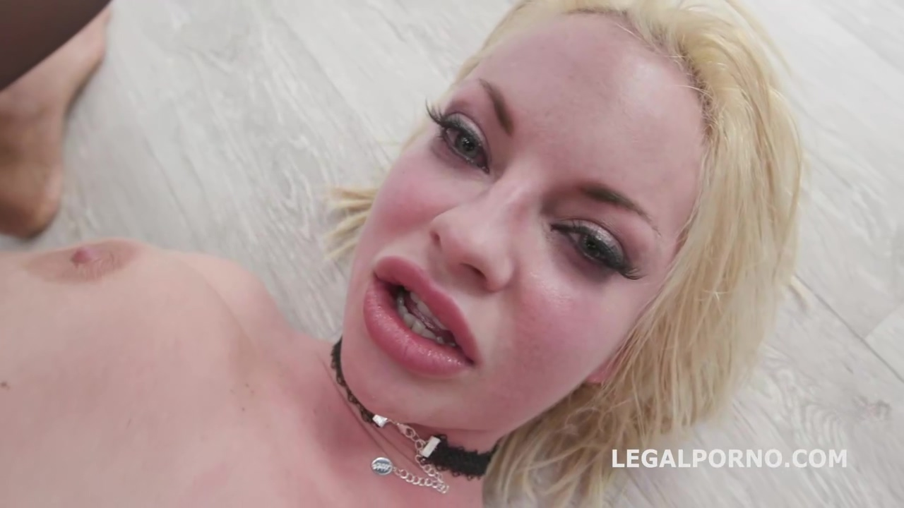 Horny Blonde With Big Boobs, Alessia Di Pesaro Did It Qwith Many Guys At The Same Time