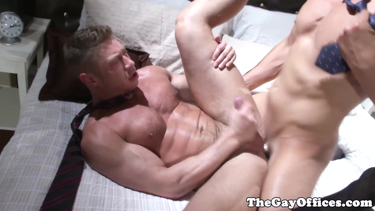 Office hunk pounding muscle ass doggystyle nude dare pictures