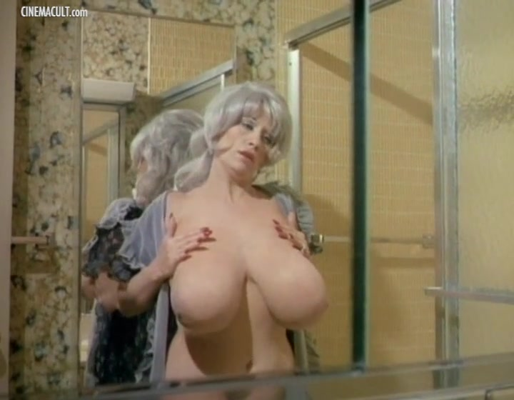Chesty Morgan - Deadly Weapons Catalina taylor pure 18