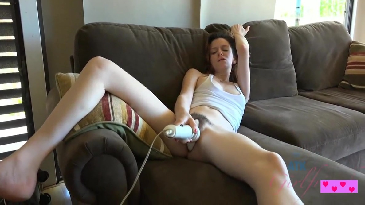 Emma Evins In Girl With A Sexy Pussy