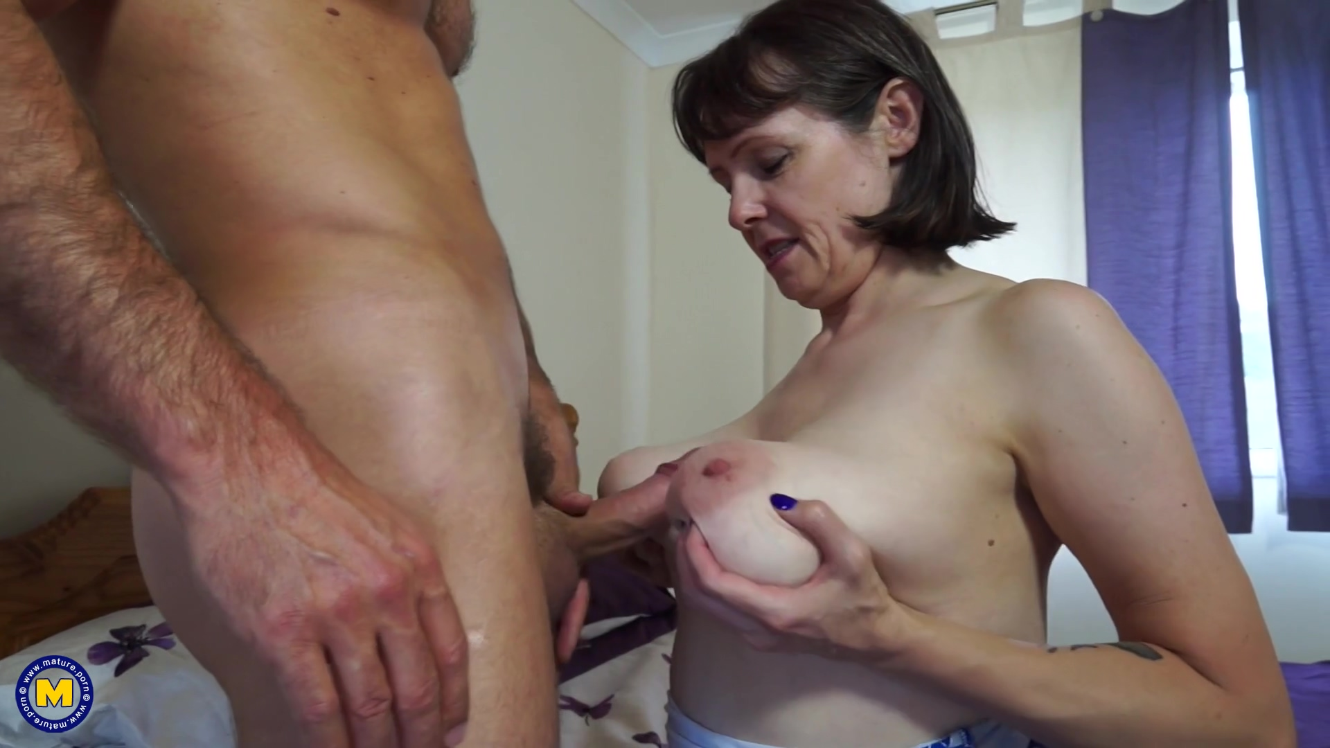 British Big Breasted Housewife Fucking And Sucking