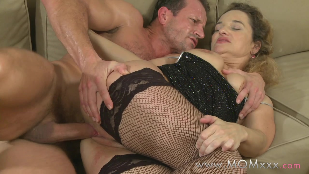 Mom xxx: Mature women fucking there lovers Lowcash cosplay