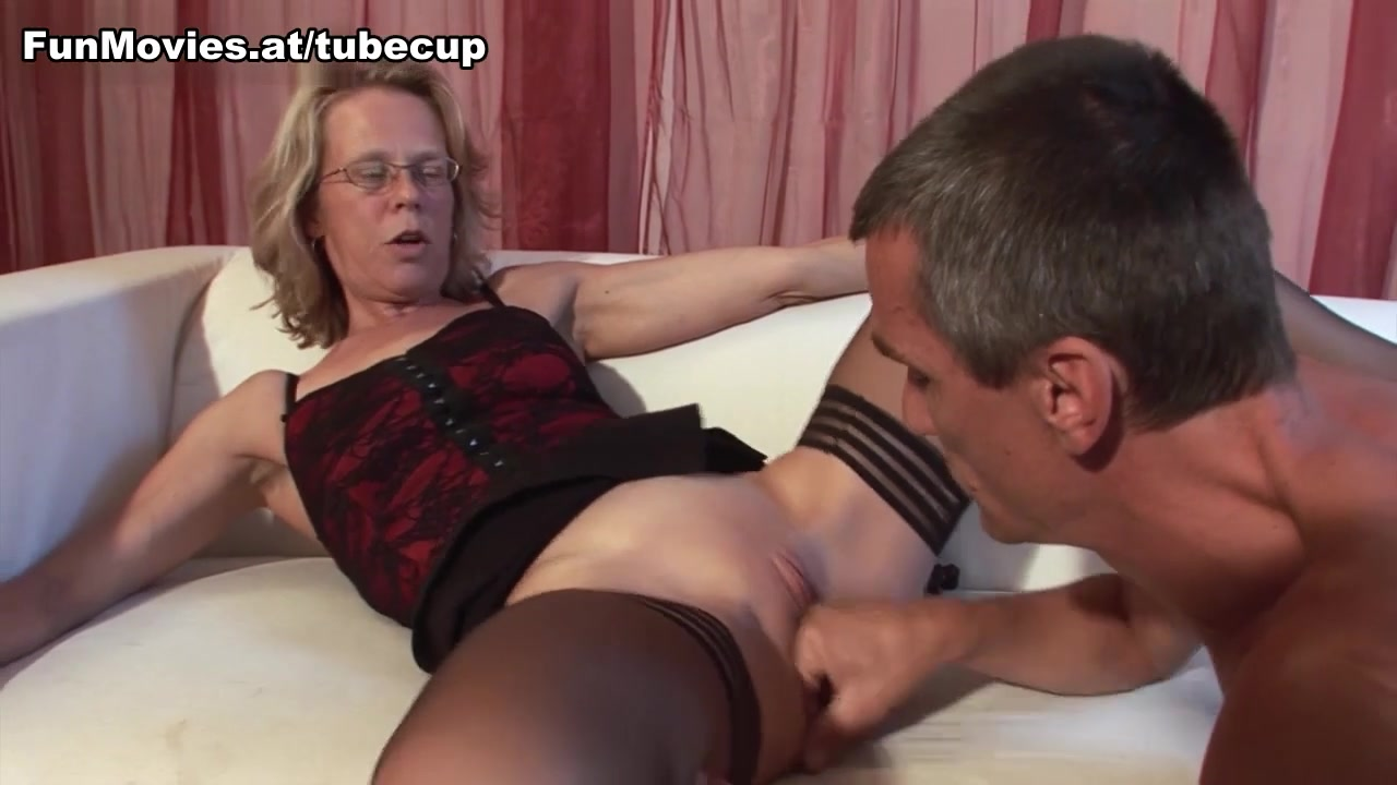 Marga in Big Dick Casting - FunMovies How to spot a female player