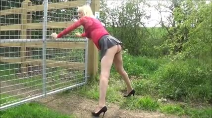 Simatra Blond Fuck Outdoor Doggystyle Crossdress Ass and pussy massage