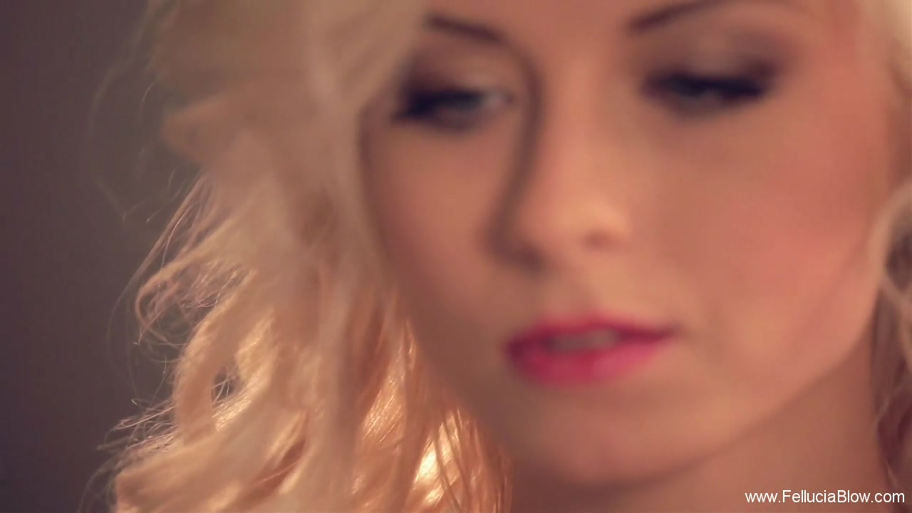 Very beautiful blonde does an amazing blowjob to lover