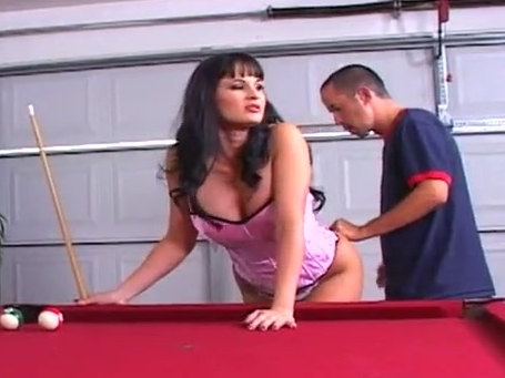 Blue eyed brunette giving good head and swallowing Fubar website review