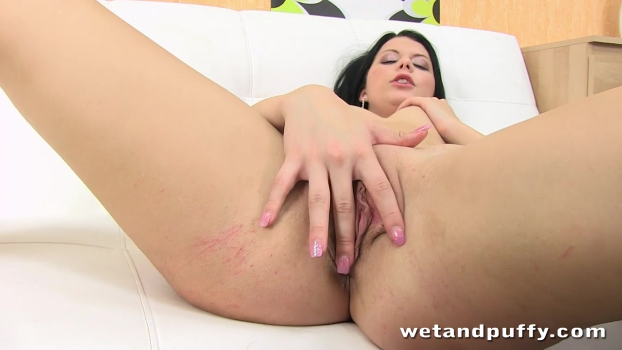 WetAndPuffy Video: Rebecca DP