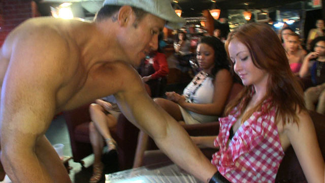 A local bar packed with horny ladies pleasure divers magnetic island