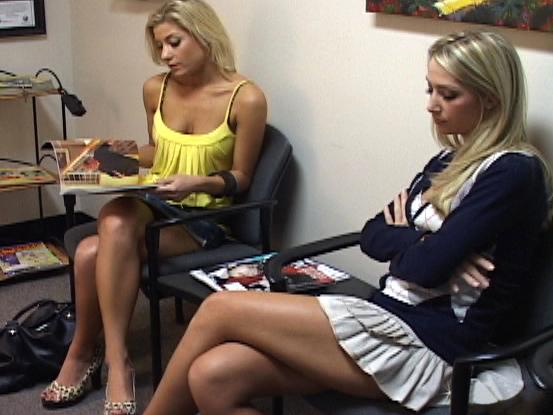 Roxanne Hall, Nikki, Sammie Rhodes Dress up a pornstar