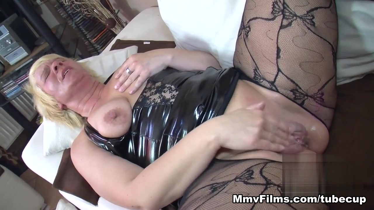 Chubby Bbw Loves Cum On Her Pussy Video - MmvFilms Put this big cock in my ass
