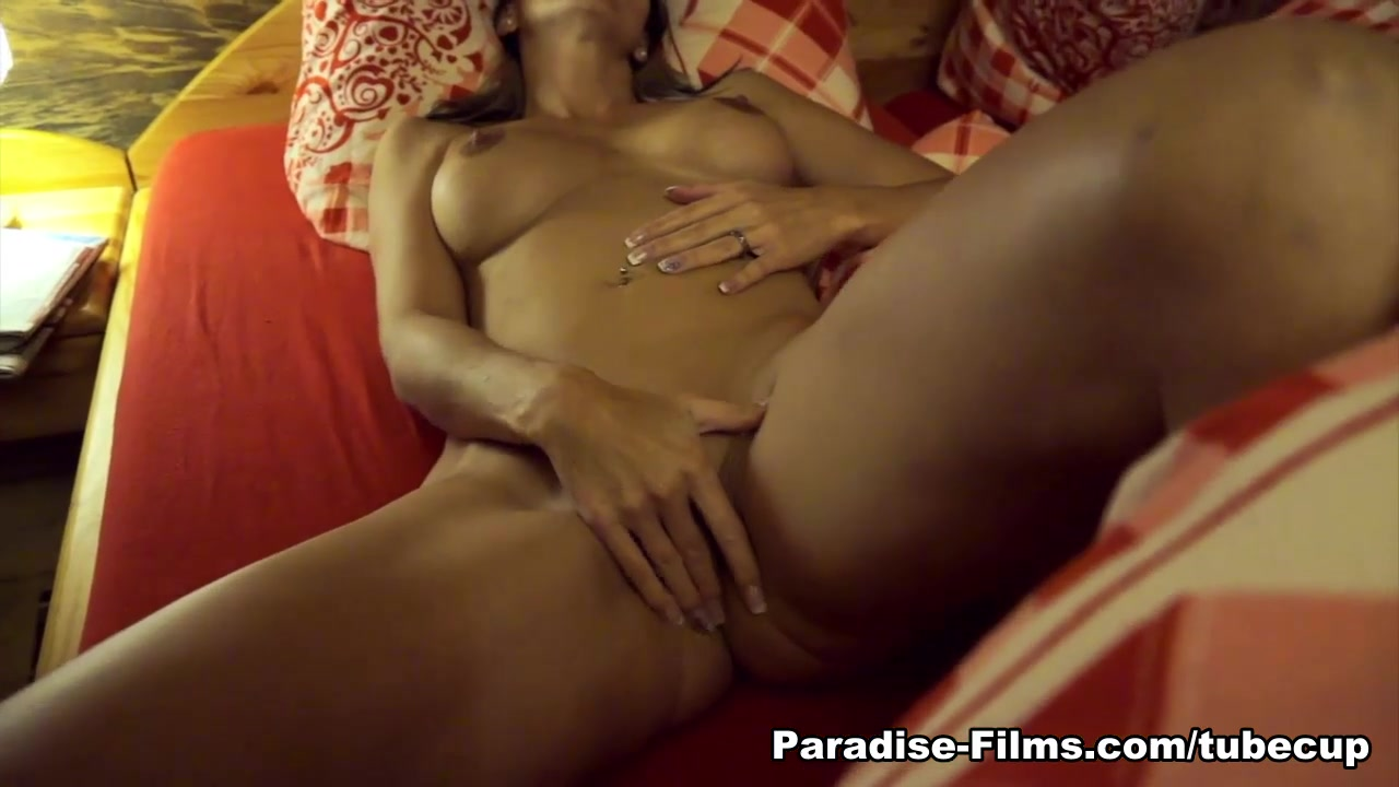 Julia Pink in Post Shower Thrills - Paradise-Films Adult fan fiction aff