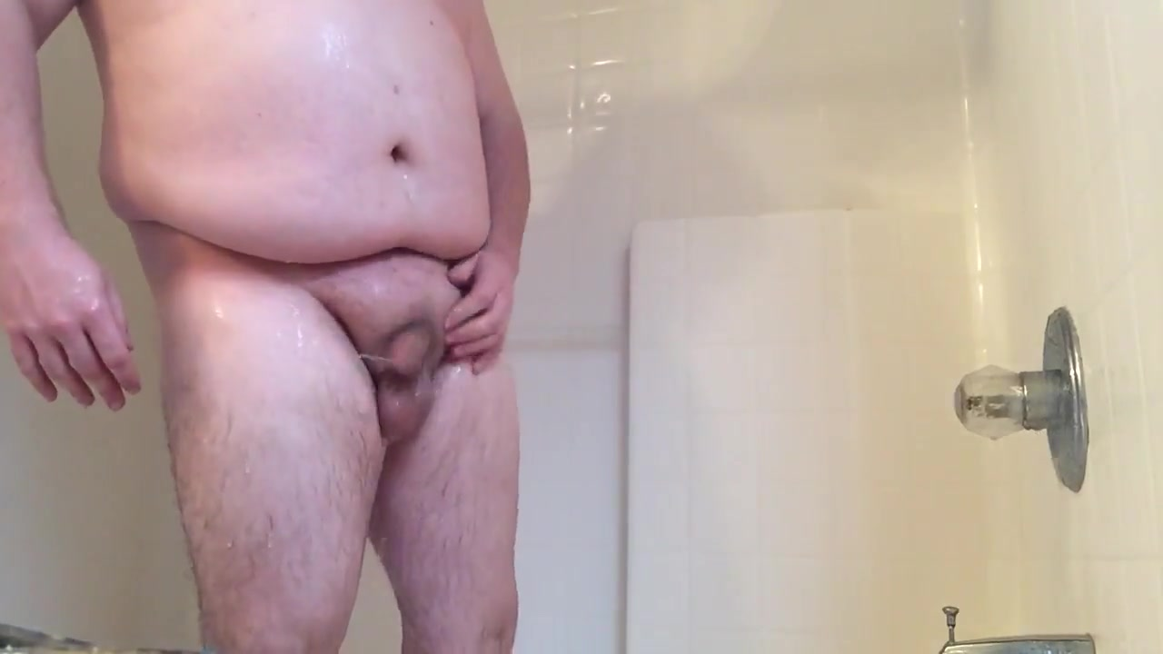 Chub Takes a Shower 2 Girls wanting to fuck in Stavanger