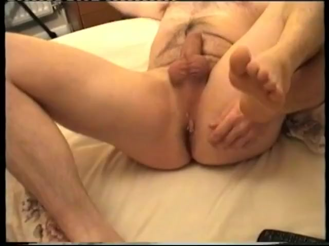 2nd part - a compilation of movie clips and pics featuring my butt from1998-2004 Mature woman and dildo