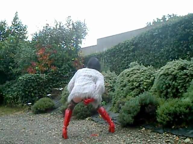 Demonia sous la pluie Cougars nude photos