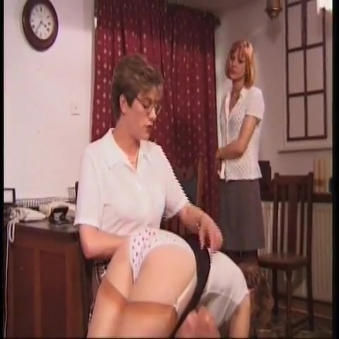 woman spanks two girls lesbian mature bed sex