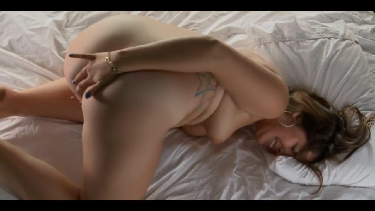 Girl Masturbating -Bela