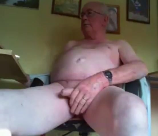 grandpa long stroke and play on cam Cum bubbles massage turns into strenuous