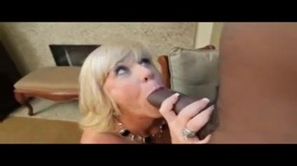 Blonde mature takes BBC fat old naked masturbation