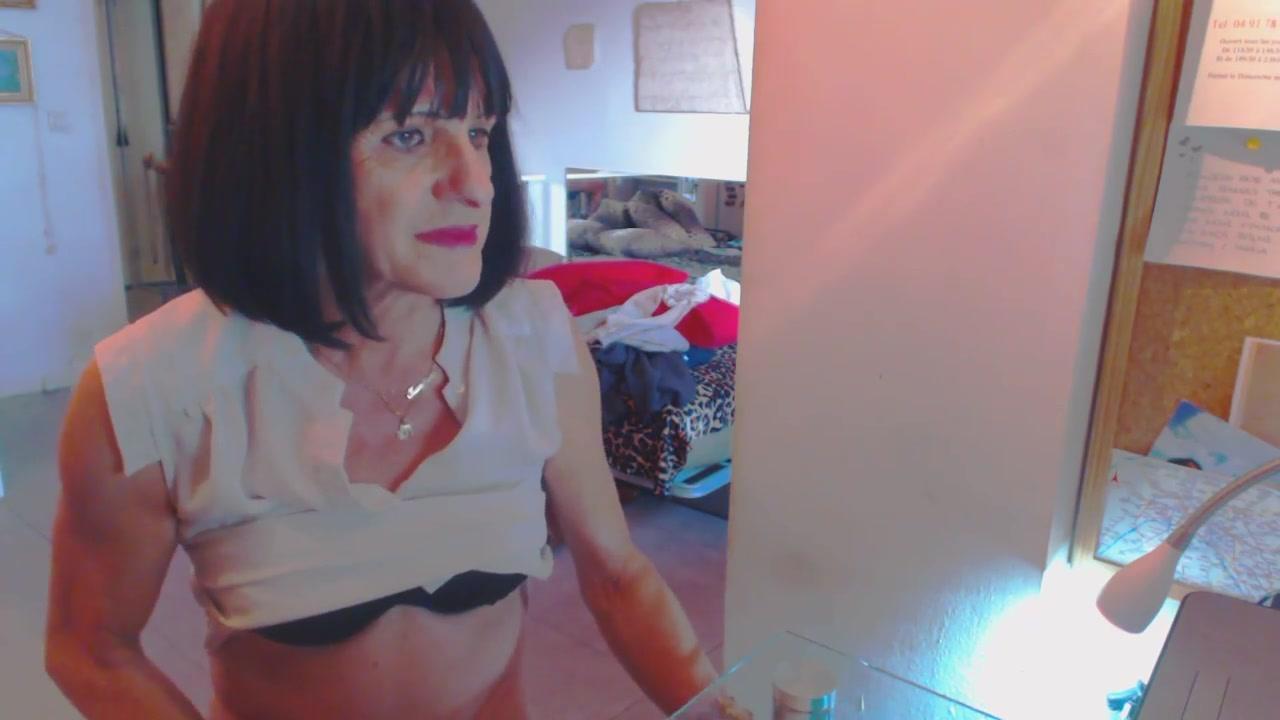 Petite pute a votre disposition Madame Monsieur adult lesbian sex video sharing fuck