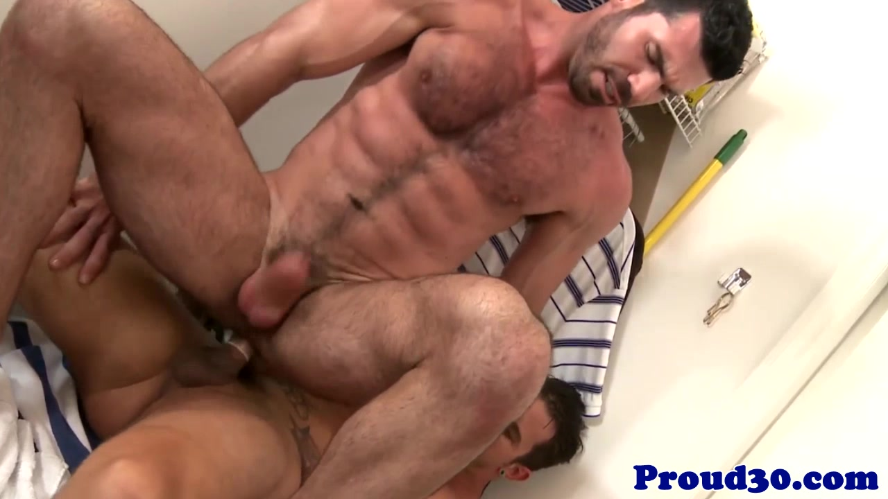 Beefy dilf assfucking before sucking out cum Adele stephens dildo