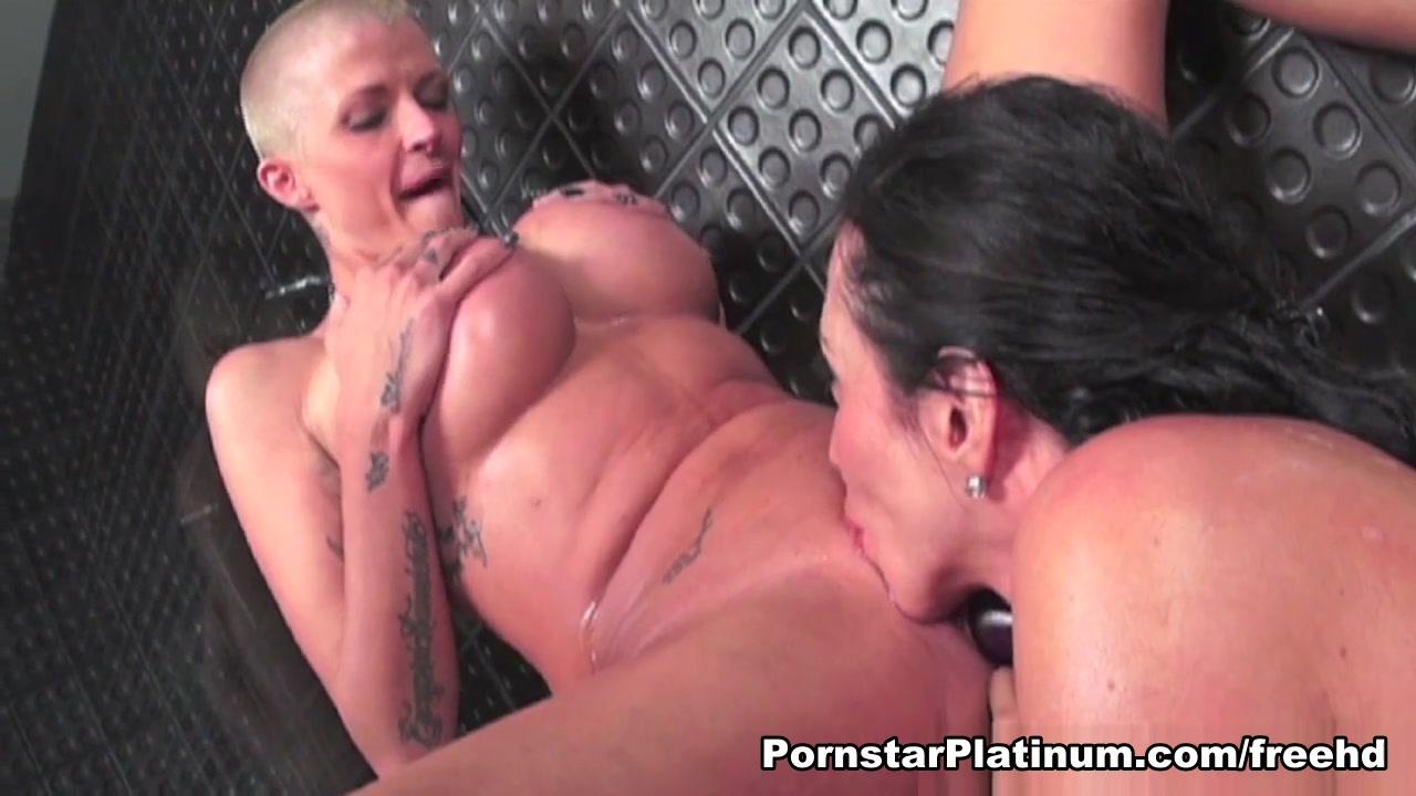 Ariella Ferrera in Suds with Joslyn James - PornstarPlatinum Stephanie abrams busty pictures