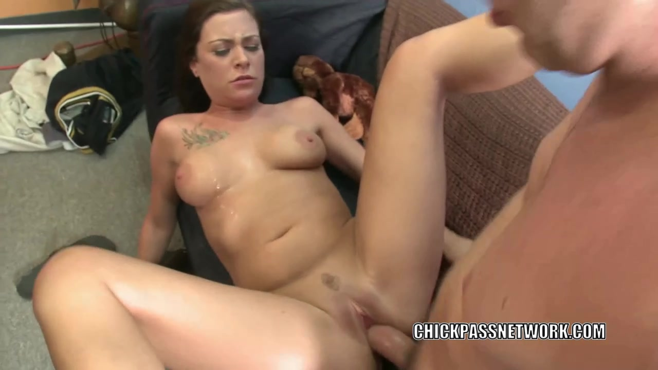Horny slut Vanessa Naughty fucks and gets a big facial