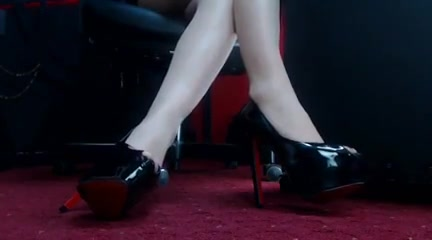 Marions pantyhosed feet in heels Tessa taylor hd porn