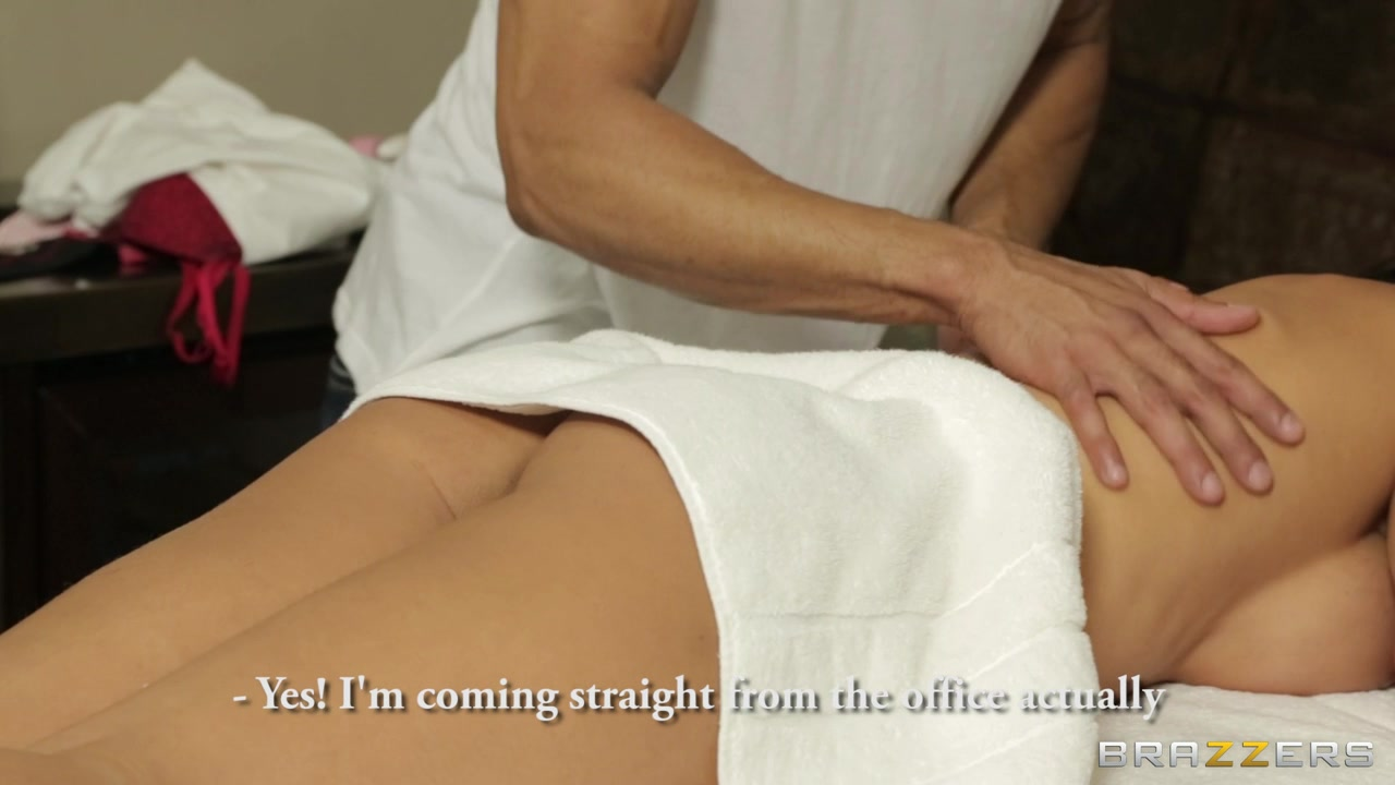 Dirty Masseur: Deep Tissue Orgasm Lesbian filmed licking