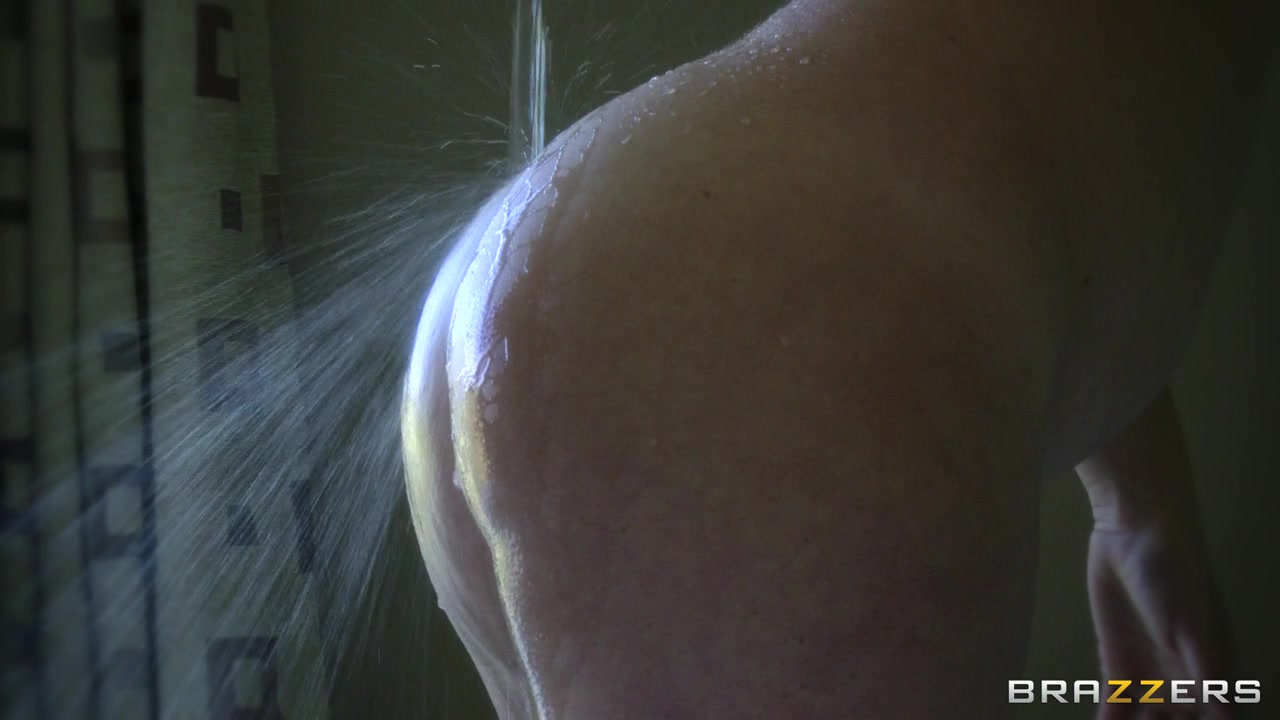 Big Wet Butts: Ass Fuck In The Bath The best pussy tight lips
