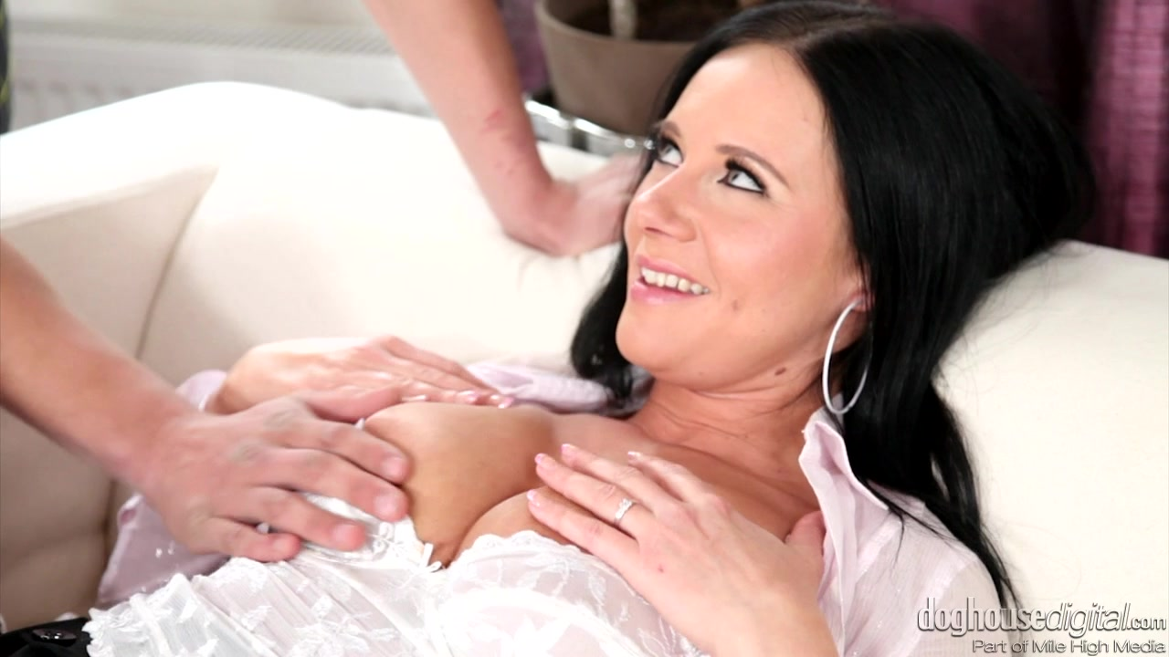 His First MILF Tottaly spies naked