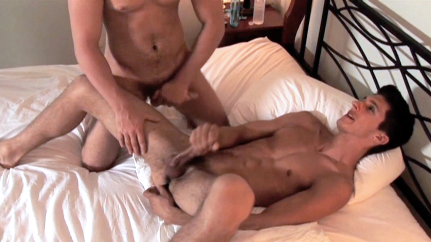Eric Blaine, Jared King in First Time Fucked - Bromo Sunshine seiber porn gif