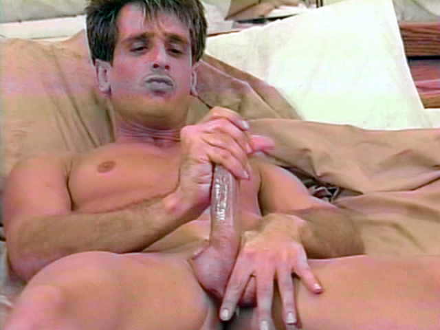 Rapallo in Magic Hands #1: Muscle Guys Scene 3 - Bromo College couple fuck pictures
