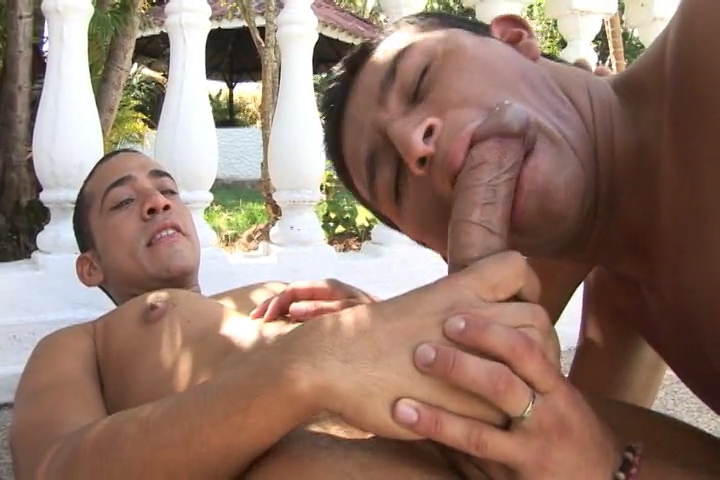 Latinos Reyes and Sal Fucking Bareback - BarebackLatinoz Sexy Ladies Free Videos