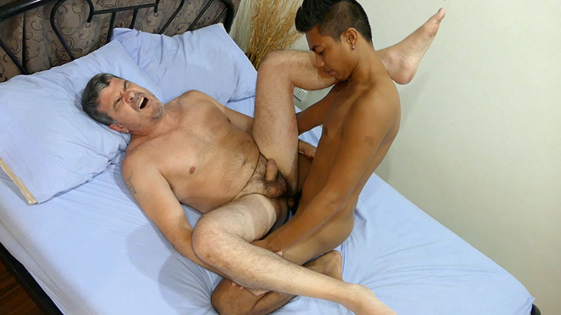 Daddy Kitchen Fucks Asian Boy Josh - DaddysAsians Naked big puerto rican girls