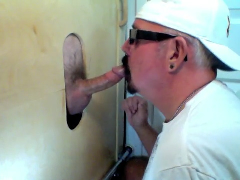 Feeding On Cock At The Gloryhole - GloryholeHookups Teen girl screams of cum
