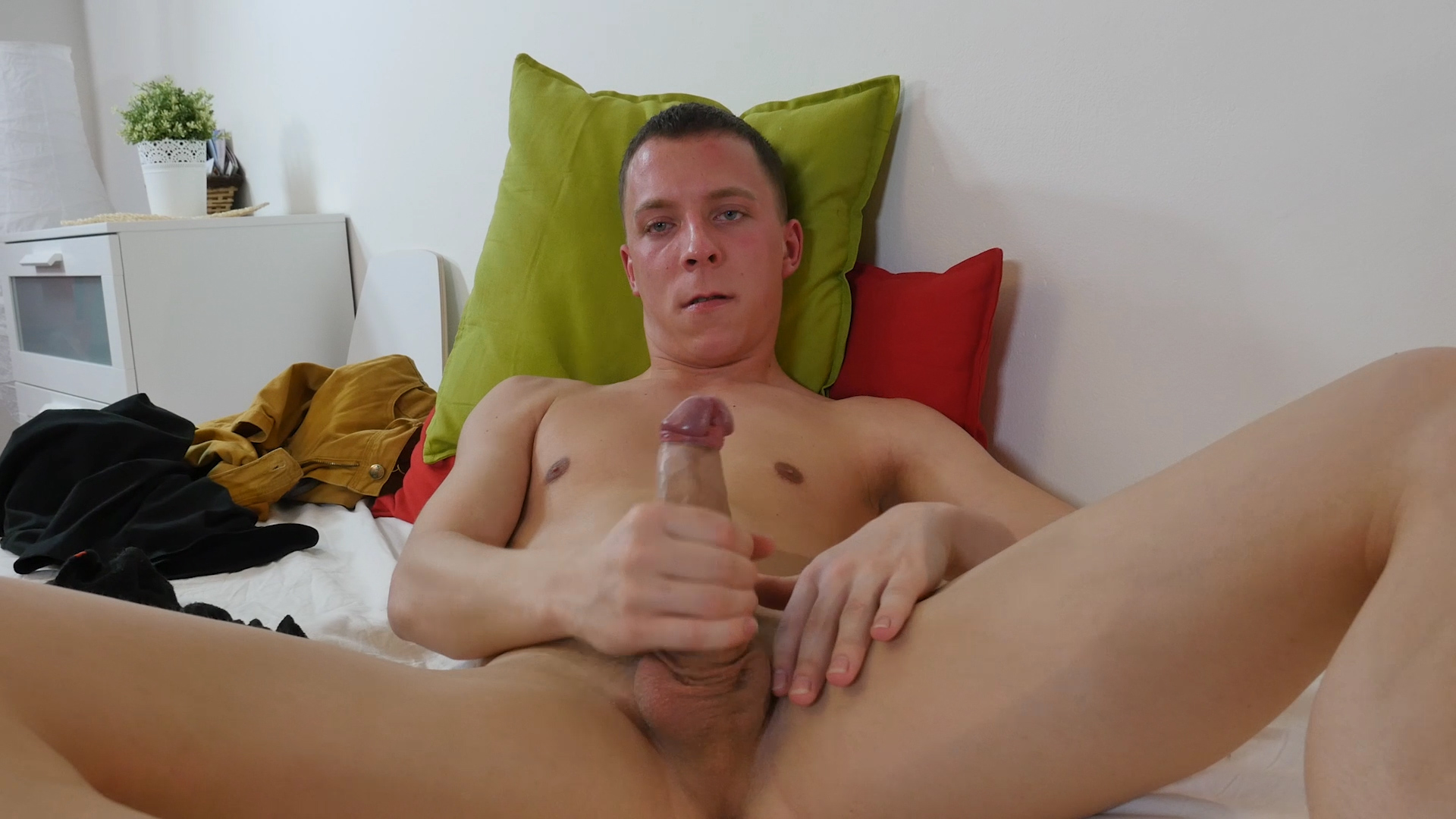 Twink Andrew Kitt Beats Off - TwinkBoysParty Wife fucked in Innsbruck