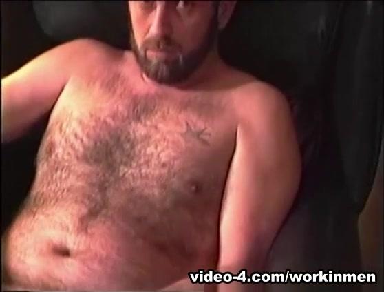 Amateur Mature Man Gerry Beats Off - WorkinMenXxx Cum on open mature pussy scary wet