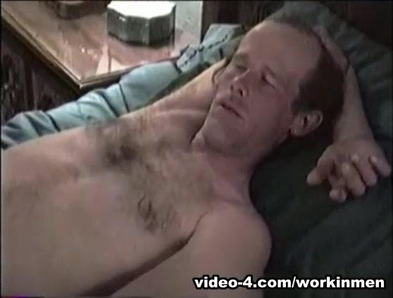 Amateur Mature Man Dave Beats Off - WorkinMenXxx Blackberry pearl flip