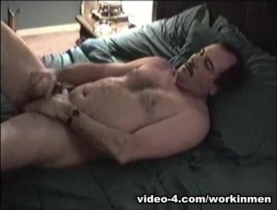 Amateur Mature Man Bobby Beats Off - WorkinMenXxx Make him yours again hussey