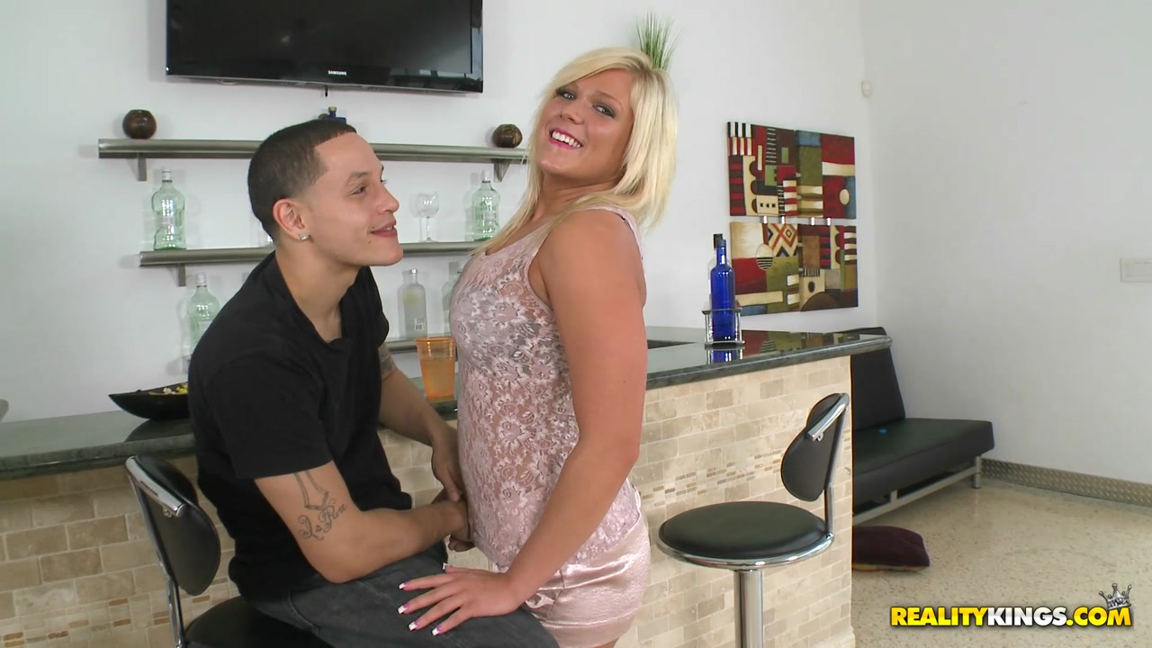 MonsterCurves - Cum on kenzie porno movies anal with pergnant women