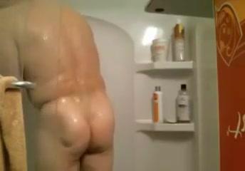 Daddies webcam - showertime 2 Outer banks nudist