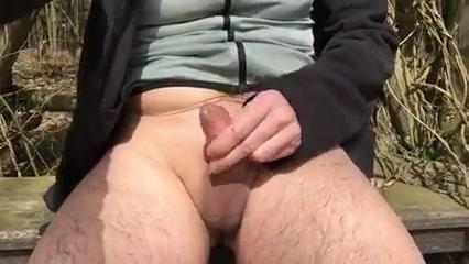 Nackt am waldrand Mature cougar threesome
