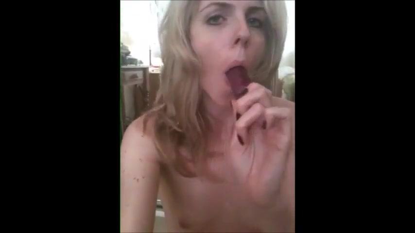 Horny nakedmilf bitch masturbates and cums Mature Bbw Fuck