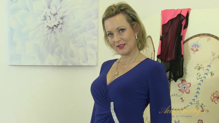Betsy Blue in Masturbation Movie - AuntJudys Sexy girls with perfect boobs
