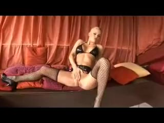 Slutty blonde in lingerie nailed