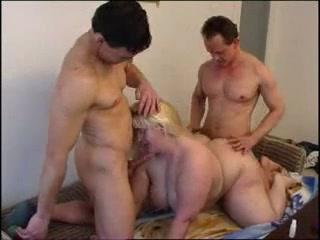 Blonde Bbw threesome